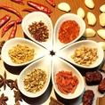 【料理で使用するスパイスの一部をご紹介♪】スパイスマーケットではエスニック料理に欠かせない香辛料(スパイス)を多数使用しております!その中の一部をご紹介!
