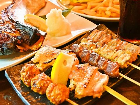 横須賀グルメと串焼が楽しめるカフェバー。観光客や地元の人に愛されているお店♪