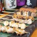 料理メニュー写真上州地鶏と赤城鶏の串焼き盛り合わせ