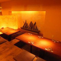 2階:4名様掛けの掘りごたつ席は少人数でのお食事会~最大25名様での宴会にもご利用いただけます◎