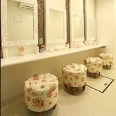 ハロウィンなど仮装やドレスアップのお着替えができる女性専用パウダールーム(控室)もございます。