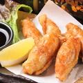 料理メニュー写真鶏皮餃子/鶏皮せんべい