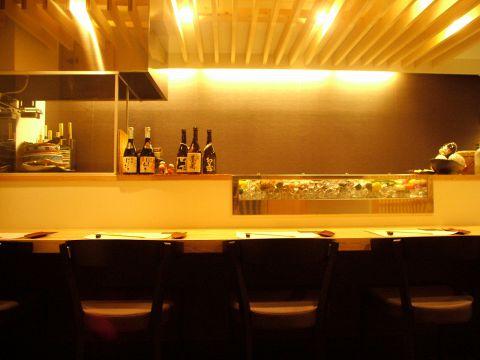厳選された道産食材を関西風に仕立てる本格和食店。熟練の技が光る料理は逸品。