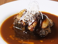 料理メニュー写真牛ホホ肉の赤ワイン煮