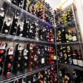カンティーナ シチリアーナでは、ワインの品揃えも豊富にご用意しております。全銘柄合わせて120種以上の取り揃え。シチリアワインだけでも80種ご用意しております。芳香豊かな、イタリアの中でも特徴的な太陽と土のの香りを感じるワインを是非。ワイン選びに迷われたら、ご気軽に店員にご相談ください♪