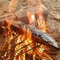 豪快な炎を見ながら藁焼きを楽しめる『わら焼き小屋居酒屋 た藁や』♪高く燃え上がる炎は圧巻の迫力です!!