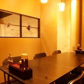 ゆったりくつろげる、落ち着いた雰囲気の個室席。接待利用にもおすすめです。