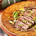 絶妙な焼き加減の淡路牛は柔らかくジューシーで肉本来の味わいも感じられる一品☆