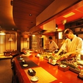 【オープンキッチン】職人の技を目の前で見れるのはこの席だけ!新鮮な海の幸と職人の自慢の包丁さばきをご覧ください♪