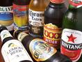 世界のビールをゆったり楽しんでください。プレミアムモルツ(生/黒生) / アサヒスーパードライ / オリオンビール / ハイネケンは、各500円。ビンタン / バリハイ / ふぉーエックスビター / ビクトリアビターは、各600円。