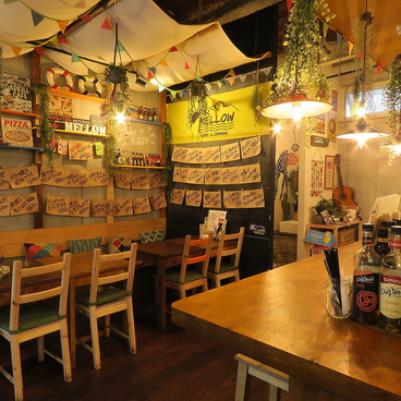 CAFE DINING MELLOWの雰囲気1
