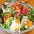 【丸九の宴会料理】ぴちぴちの鮮魚を店主が目利きし、仕入れています。季節の鮮魚をお楽しみください。