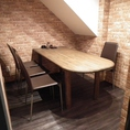 1階、4名様の個室テーブル席です。