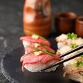 料理メニュー写真肉寿司3種盛り