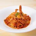 料理メニュー写真渡り蟹と紅ズワイガニのトマトクリームパスタ