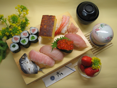 新鮮な魚からお米まで素材にこだわりをもった寿司。ボリュームもあり満腹になるお店。
