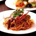 料理メニュー写真名物!ワタリガニのトマトクリームパスタ