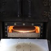 ピッツァ窯を完備しております!自慢のピッツァは店内に設置している環境に優しい天然木ペレットを熱源として焼き上げます!そのため、外はサクッ&中はジューシーに焼きあがります◎