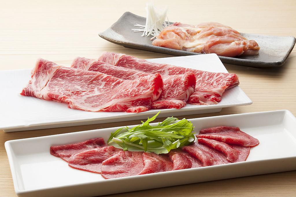 老舗焼肉店「プライム」監修の拘り抜いた上質肉をしゃぶしゃぶで楽しんでください。