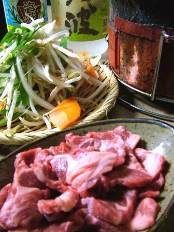 北海道から直送の極上生ラム肩ロース肉は、柔らかくクセも少ない絶品★