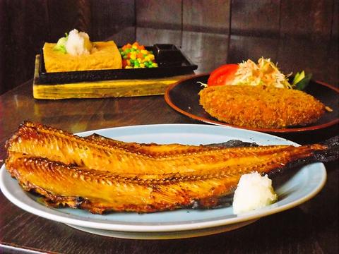 新鮮な魚介類と、四季折々の山菜が楽しめるお店。季節を感じながら旬のものを味わう。