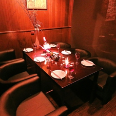 【4階】半個室、合コン、女子会、デートに♪2人でゆったり過ごせる半個室ソファー&カップルシート♪6名様のソファー席有り!合コン&女子会にオススメ