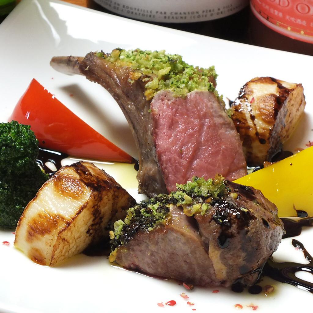 ホテル出身のシェフが手掛ける洋食メニューはどれもこれも美味しいと評判