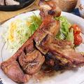 料理メニュー写真ボリューム満点!!国産豚スペアリブのオーブン焼き