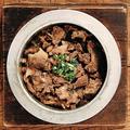 料理メニュー写真【名物】和牛すきやき釜飯