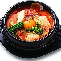 定番の韓国料理も豊富に♪