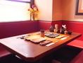 ゆったりとおくつろぎいただける、落ち着いた雰囲気のテーブル