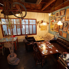 CAFE&RESTAURANT POOL カフェ&レストラン プールの雰囲気2
