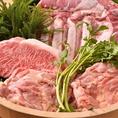 岩手県産愛海(めぐみ)豚は、ピンク色の肉にきめ細かなサシが入ったお肉。くちどけが良く、あっさりとした味わいのお肉です。しゃぶしゃぶのくるみダレにも煎り酒を使用することにより、出汁と肉の旨み、タレの味が見事にマッチします。