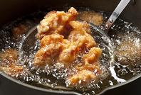 秘伝のタレに漬け込んだ若鶏から揚げ