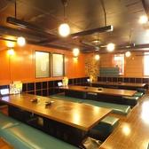 《宴会向き・掘りごたつ席》広々個室で大宴会に最適のお部屋です!大人数・団体でのご宴会も大歓迎☆お気軽にお問い合わせください。会社の飲み会もプライベートなお食事にも最適な店内です。甘太郎池袋60F通り店ではお得な焼肉・しゃぶしゃぶ食べ飲み放題コースを多数ご用意しております!