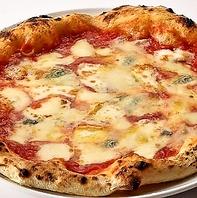 ピッツァのチーズにもこだわりアリ☆