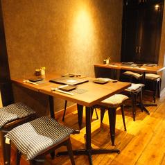 4名掛けテーブルを3席ご用意♪少人数~最大14名様までテーブルを繋げご利用出来ます!