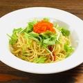 料理メニュー写真ペペロンチーノ 水菜&とびっ子のせ
