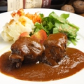 料理メニュー写真和牛ホホ肉の赤ワイン煮込み