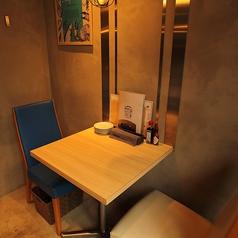 会社帰りにフラっと♪2名様用のテーブル席です。