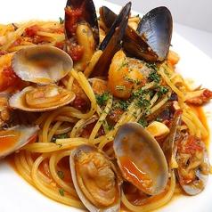 料理メニュー写真魚介とトマトのペスカトーレ