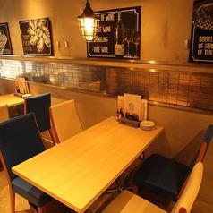 落ち着いた空間で美味しい料理を♪4名様用のテーブルです。