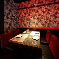 ◆2次会やサク飲みに最適のテーブル席もご用意しております。靴を脱がずにそのままOK!軽くお食事をご希望のお客様にもご利用して頂きやすい席となっております。【2~4名様】のお席を2つご用意しております。