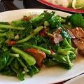 料理メニュー写真パットパックブンファイデーン「空心菜の炒め(辛子入り)」