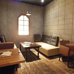猿Cafe&BAR 錦店の雰囲気1