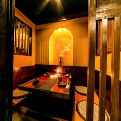 赤羽での落ち着いた雰囲気を求めるご接待や会食に、女子会や合コンなどのご友人と気兼ねなく楽しみたいお客様に、それぞれのシーンに合わせて個室席をご用意♪モチロンご宴会の他に、接待といったビジネスシーンにもご利用頂けます◎間接照明の優しく照らす大人の個室空間で素敵なご宴会を…♪