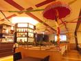 インドの音楽が流れる店内♪おおきなスクリーンもあります!パーティーの予約受付中★土・祝日の日中は貸切もOK!!気分を変えてインドパーティーはいかがですか?貸切は25名様~最大50名様まで♪ご予算などお気軽にお問合せ下さい。