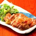 料理メニュー写真伊達鶏もも一枚炙り焼き 柚子胡椒添え