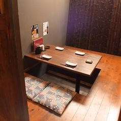 人気の個室席。プライベート利用に最適な空間です。当店自慢のお食事で楽しいひと時をお過ごしください。