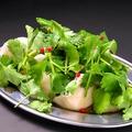料理メニュー写真海老の水餃子 パクチーまみれ 4個